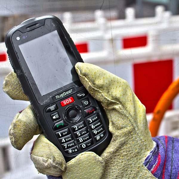 RugGear RG310 mit Handschuhen benutzbar